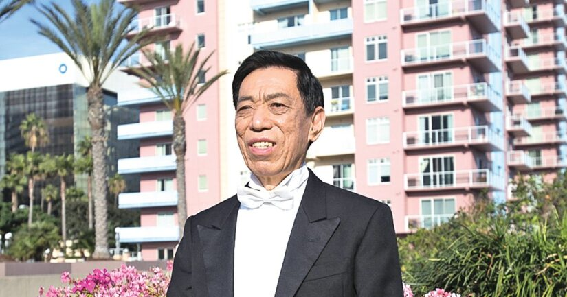 關貴敏,八十年代家喻戶曉,享中國「歌王」美譽,為五十餘部電影、電視配唱 。